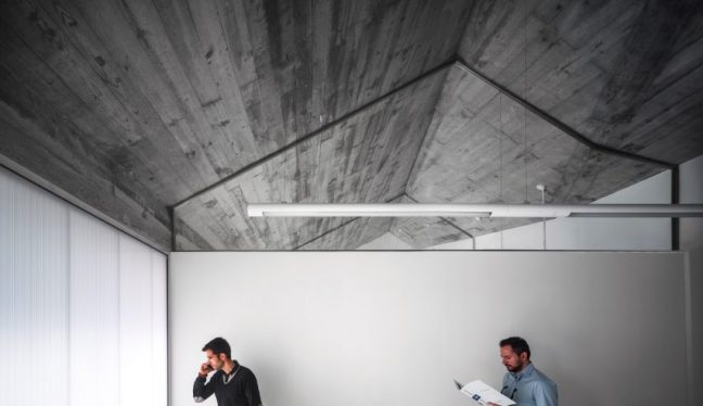 centro-integral-de-desarrollo-cid-ngnp-arquitectos-business-incubator-spain_dezeen_2364_col_25-852x493